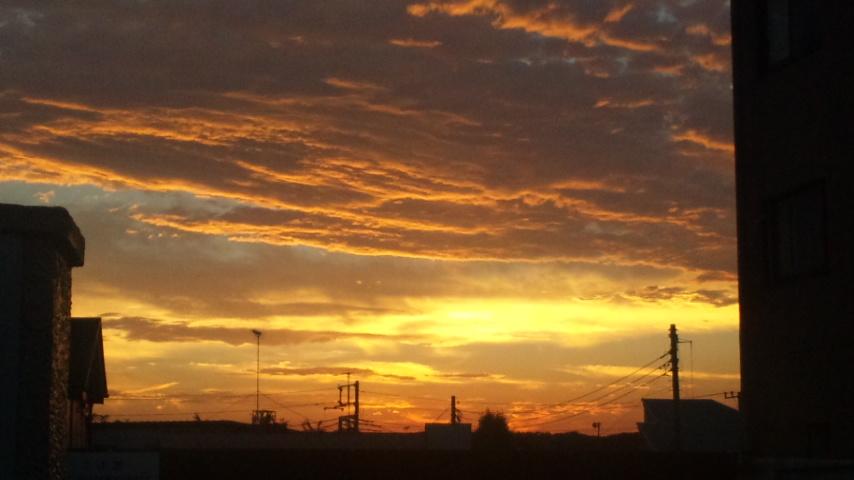 台風一過の夕焼け空
